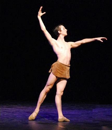 Bailarino Luiz Piva | Escola de Dança Petite Danse