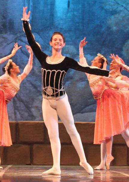 Sandro Fernandes | Bolsa de estudos para o American Ballet Theater - New York - EUA