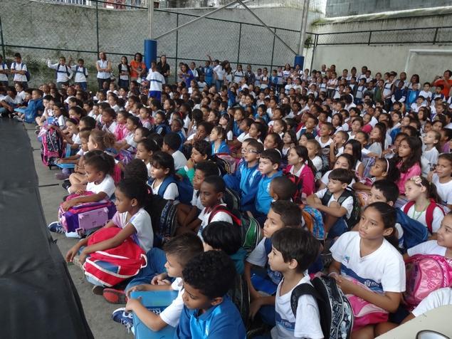 Apresentação de Dança na Escola Municipal Franscisco de Paula Brito