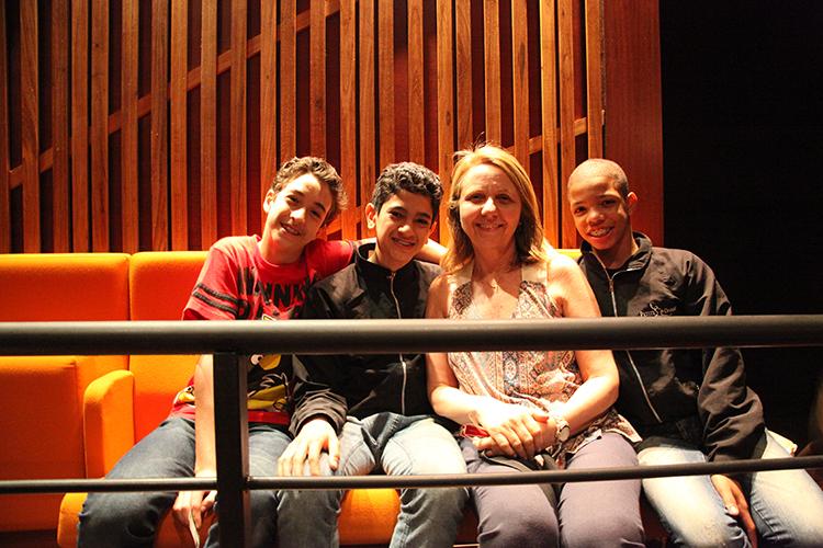 Alunos do projeto ficaram encantados com o espetáculo Ópera de Pequim.