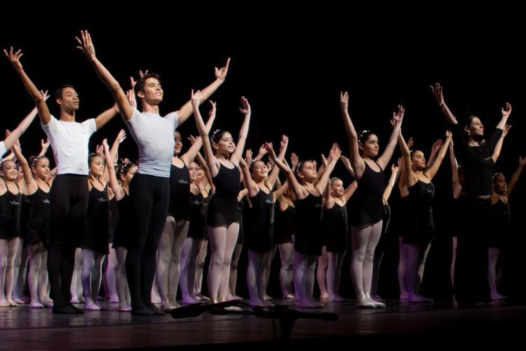 Alunos da Escola de Dança Petite Danse