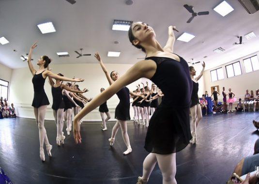 Petite Danse Apresentação de dança para os pais