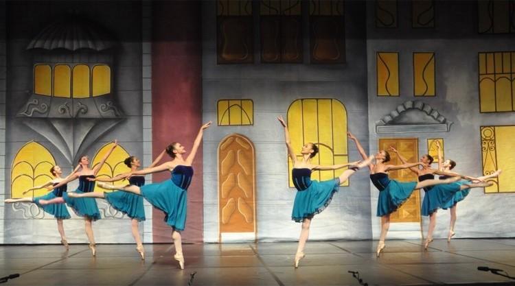 Casa de Brinquedos   Escola de Dança Petite Danse