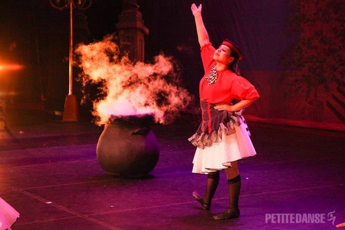 Espetáculo de Dança A Fada   Escola de Dança Petite Danse