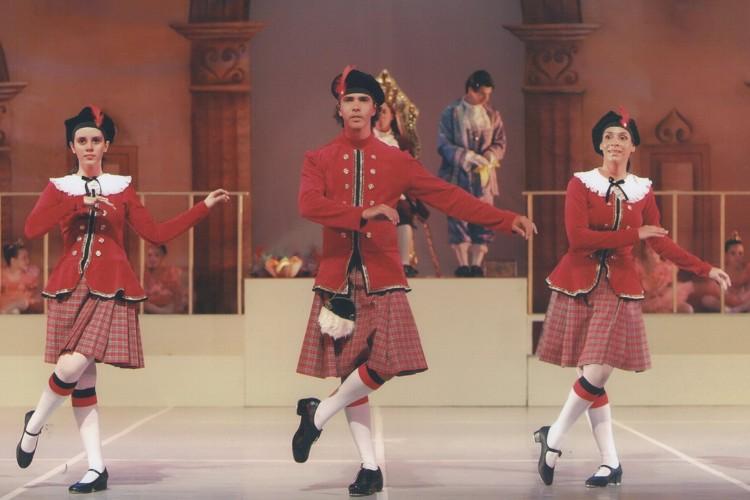 O Rei de Quase Tudo   Escola de Dança Petite Danse