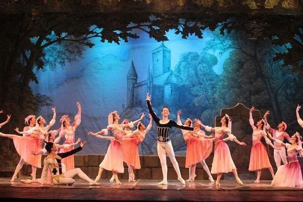 Teatro e ballet andam juntos sim