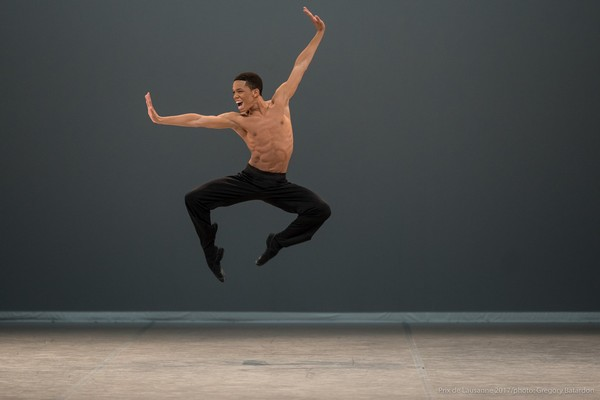 Jonatas Soares, 1º lugar na categoria Neoclássico do Festival Internacional de Dança de Joinville