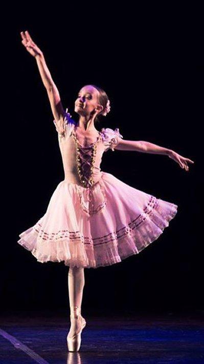 Petite Danse tem alunas aprovadas para Youth America Grand Prix