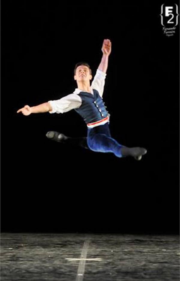 Como saltar no ballet