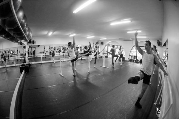 Vagas Abertas: Oportunidade para alunos bolsistas na Petite Danse!