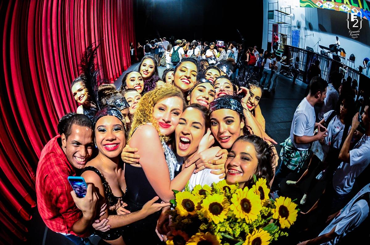 Escola de Dança Petite Danse Espetaculo de dança Tropicalia